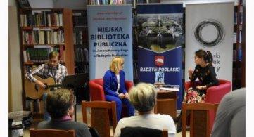 """Promocja tomiku poezji Marty Świć pt. """"Złożona z kropli"""""""